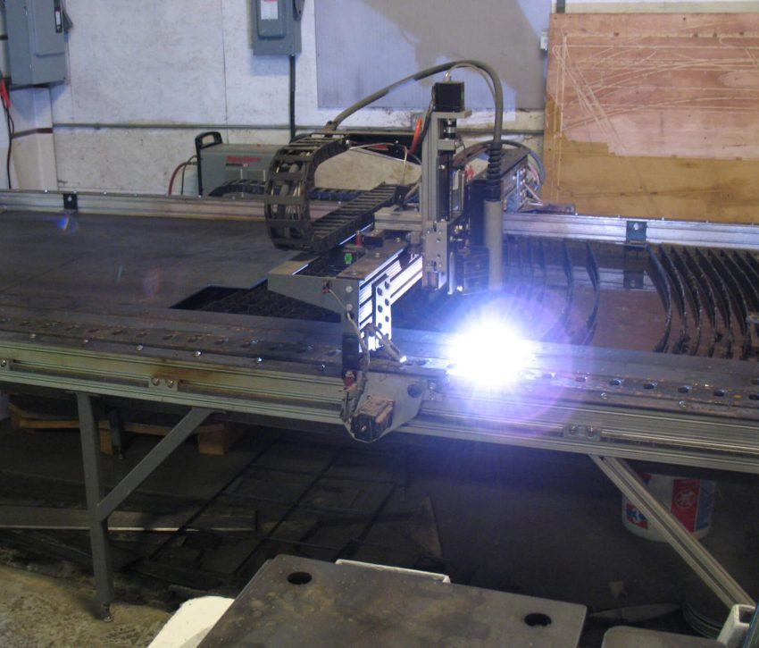 PLASMA-CUTTING-TABLE
